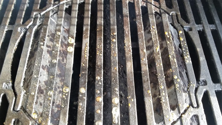 how to clean porcelain coated grill grates cover photo