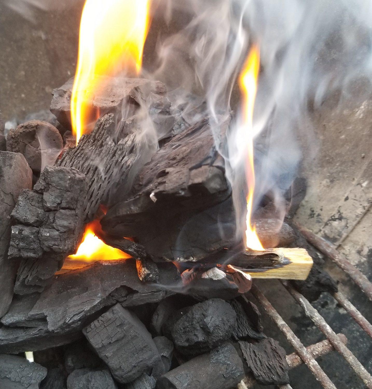Fatwood firestarter lighting lump charcoal